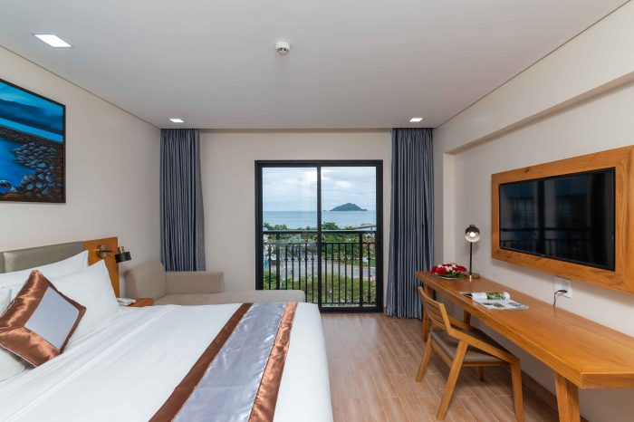 Marina Bay Con Dao Haka Travel
